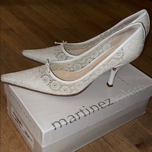 Martinez Valero Bone Lace Pointed-Toe Heels